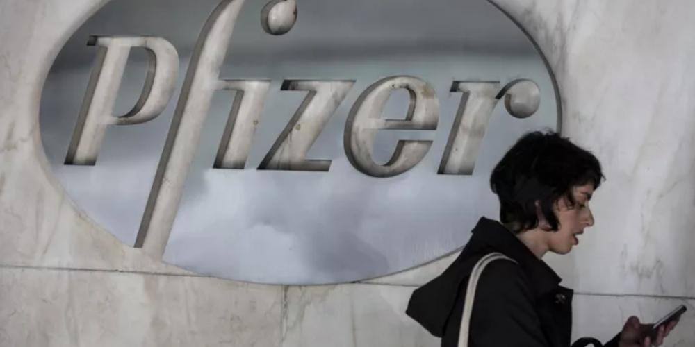 Pfizer s'attend à vendre pour 26 milliards de dollars de doses de vaccins anti-Covid en 2021