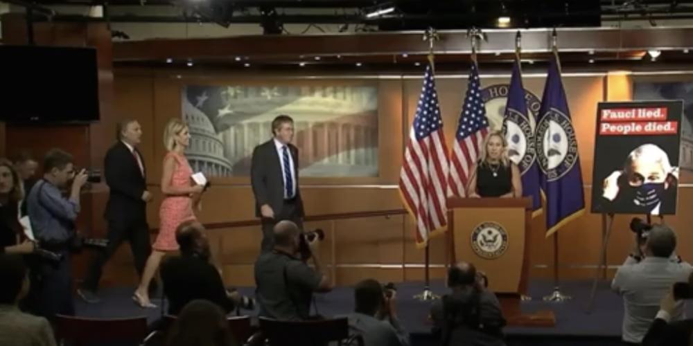 Initiative de sénateurs américains pour destituer Fauci