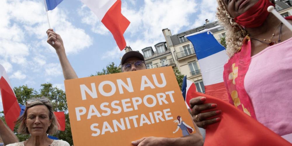 POINT DE VUE – Le mouvement anti-passe sanitaire, dernier rempart face à l'autoritarisme?